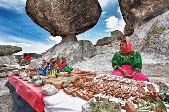 grupo de tarahumaras y menonitas